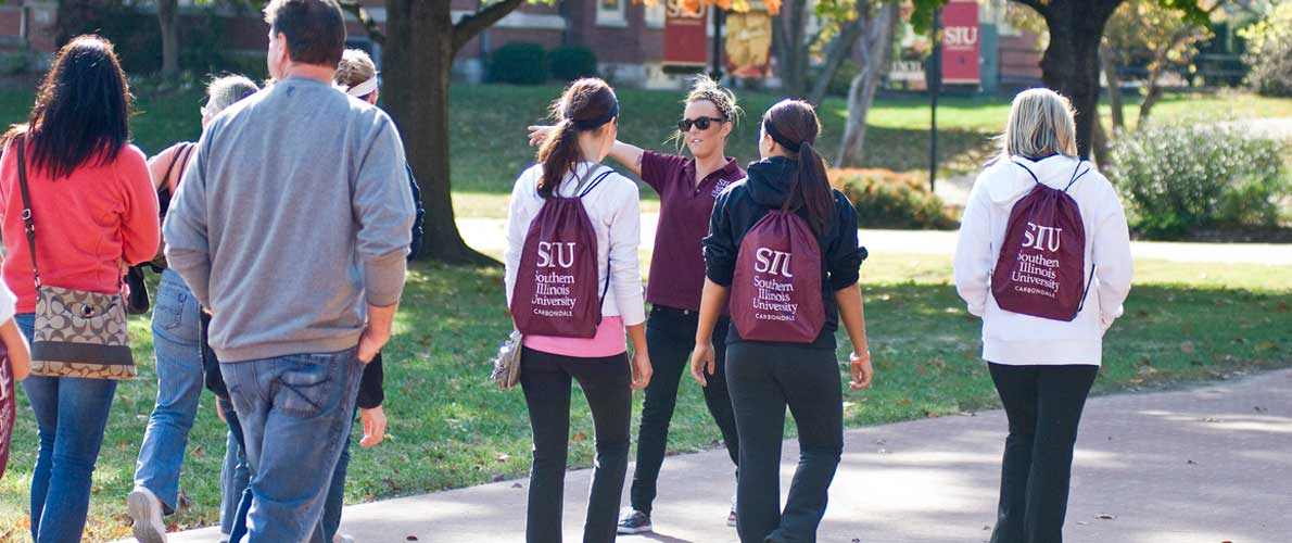 A group of students on a tour of the campus