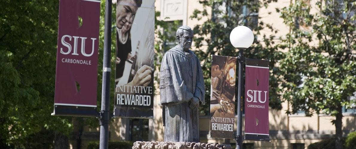 statue-on-campus
